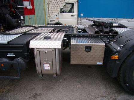 Protections en aluminium pour réservoir et châssis