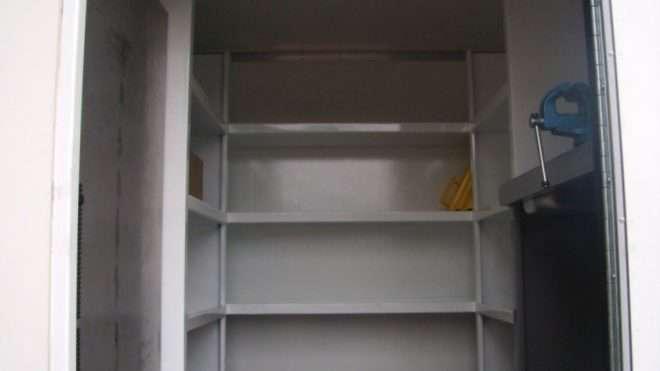 equipo-de-mantenimiento-con-caja-basculante 3